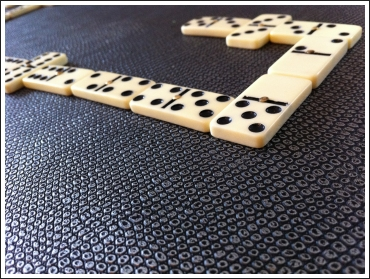 jeu-de-dominos-04.jpg